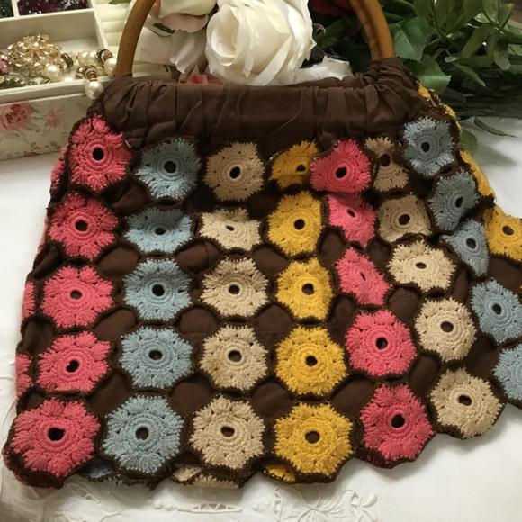 Vintage Crochet Flower Bombs Knit Tote Bag Purse. M 5c6081eca31c3316e5ea7aeb